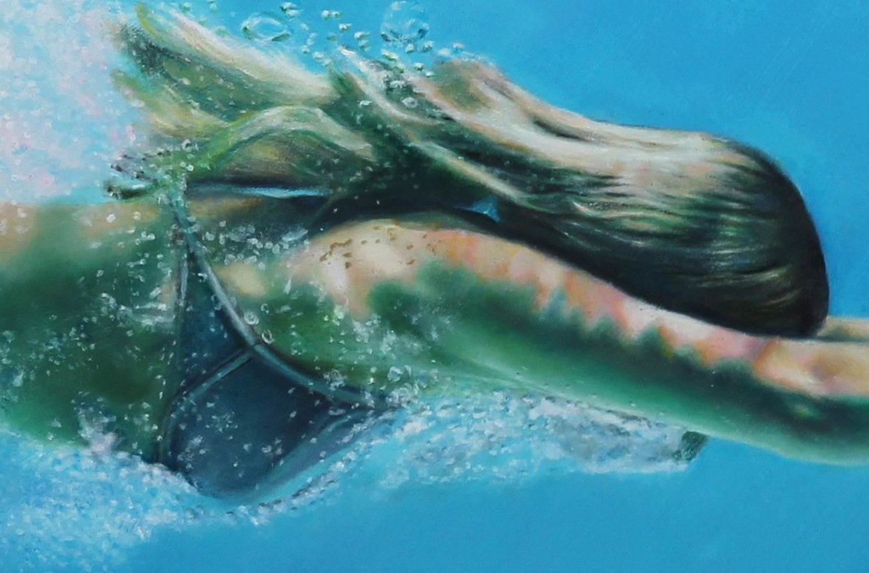 Matt Story studied art from an early age and demonstrated a unique skill for rendering verisimilitude, or hyperrealism.  His underwater swimmer paintings are created after extensive photo shoots.  Through his hyperrealistic style, he captures the