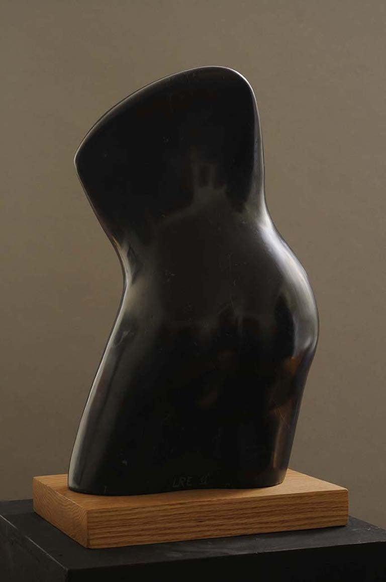 Tendu - Contemporary Sculpture by Lilian R Engel