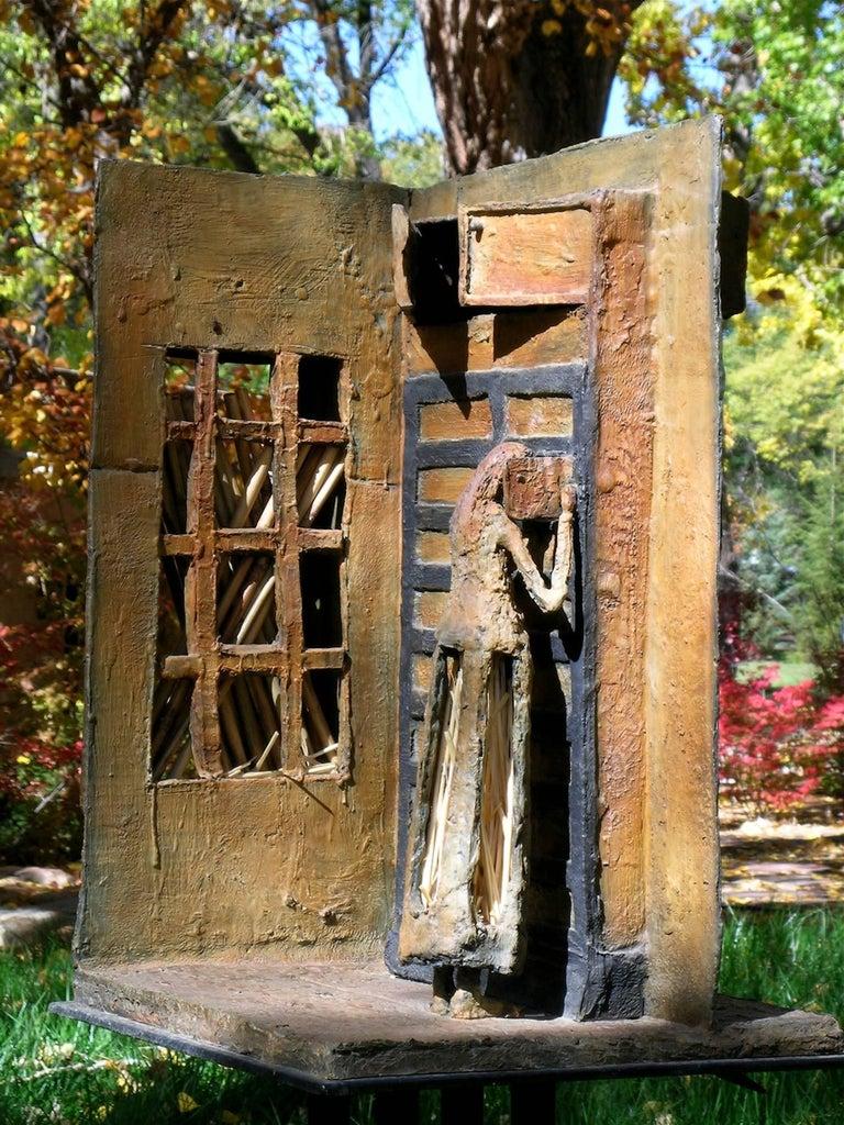 The Canary (La Canaria), bronze architectural sculpture