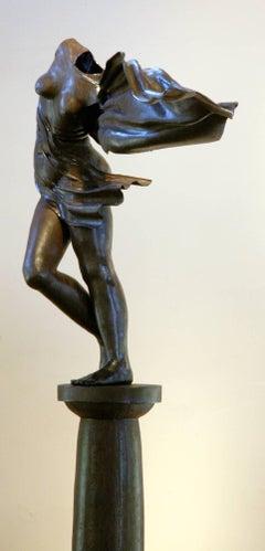 Long Gone, female nude bronze sculpture Rodger Jacobsen sculpture garden