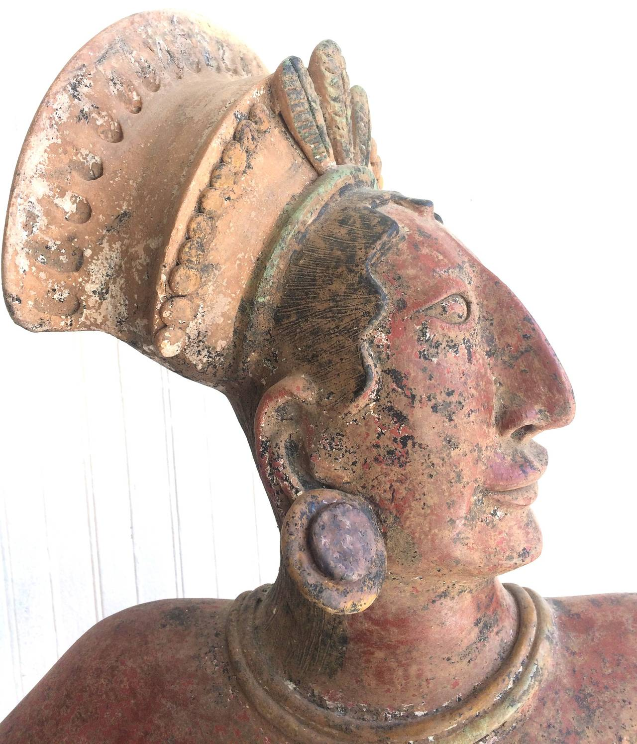 Large Mayan Clay Sculpture - Brown Figurative Sculpture by Walter Bastianetto