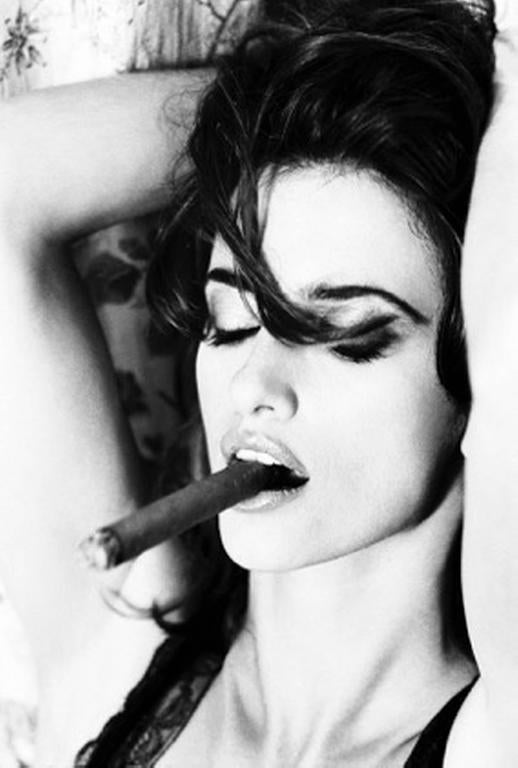 Penelope Cruz smoking Cigar