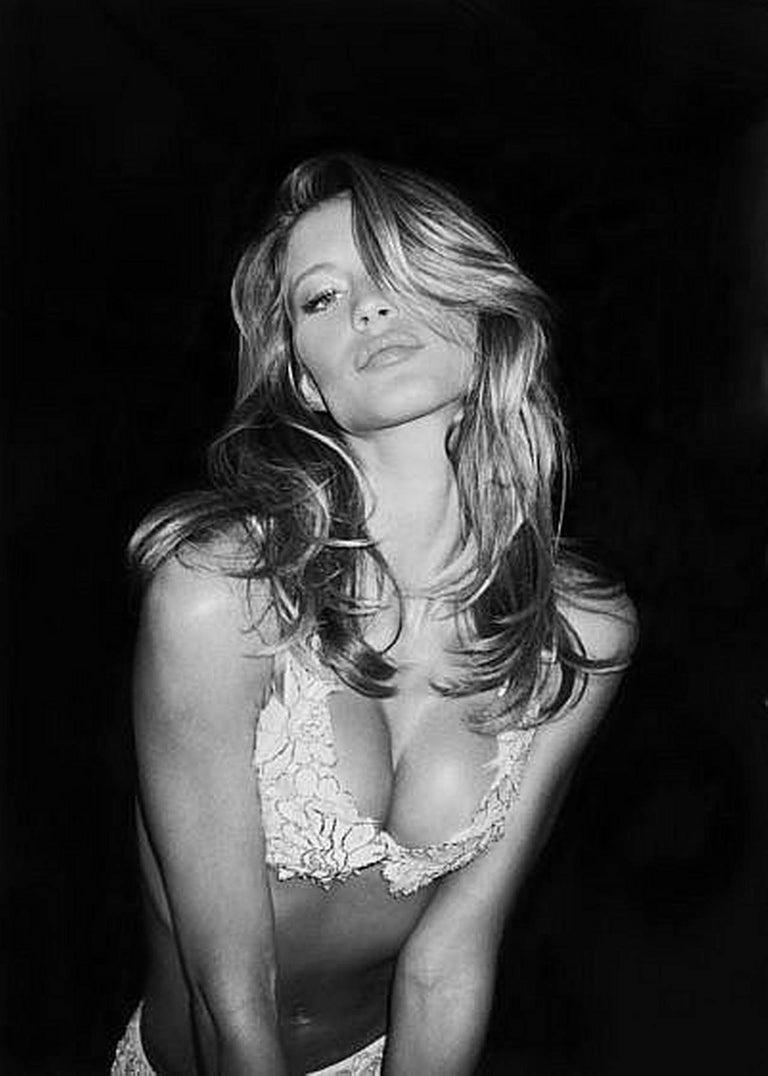 Roxanne Lowit Portrait Photograph - Gisele Bündchen - portrait of the supermodel