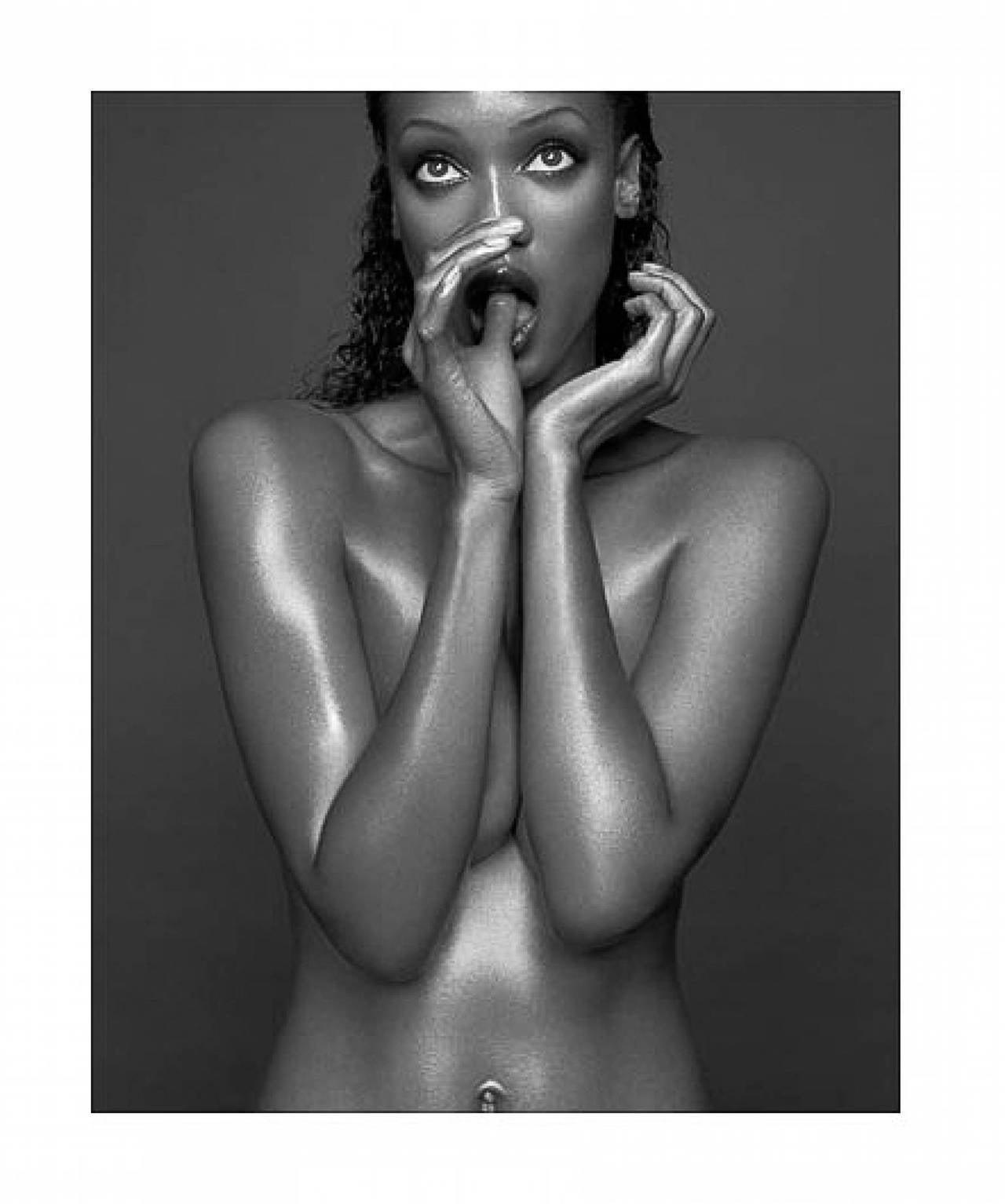 Bruno Bisang Black and White Photograph - Tyra Banks, Milan