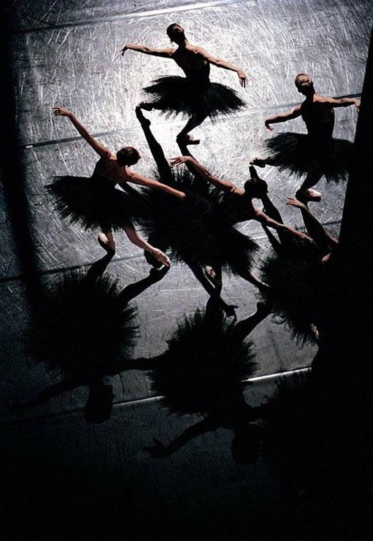 """Gérard Uféras Color Photograph - """"Études"""" de Harald Lander, ballet de l'Opéra National de Paris"""