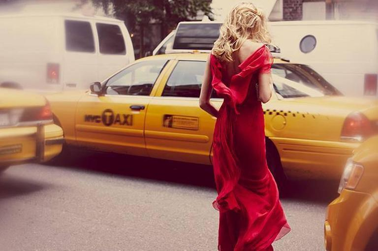 Guy Aroch Color Photograph - Taxi