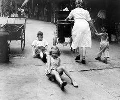 New York Scene (Sidewalk Race)