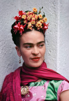Nickolas Muray - Frida in Pink and Green Blouse