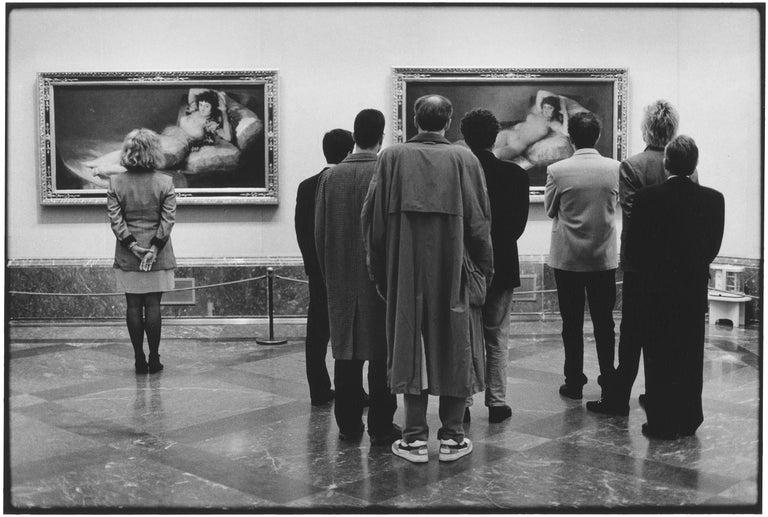 Elliott Erwitt Figurative Photograph - Prado Museum, Madrid