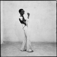 Malick Sidibé - Yéyé en position