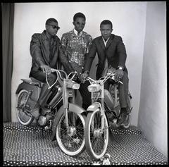 Les Trois Amis avec Motos