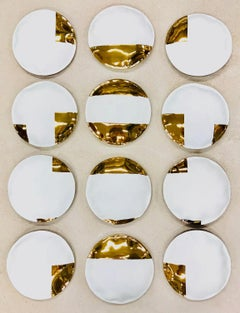 Gold and White Porcelaine, round shapes, mural installation