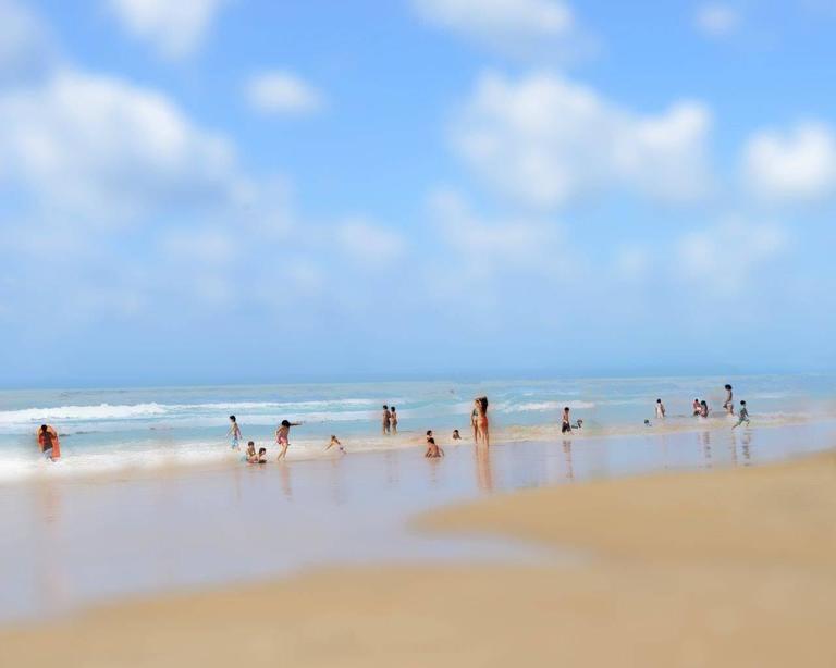 Igal Pardo - At the beach 1