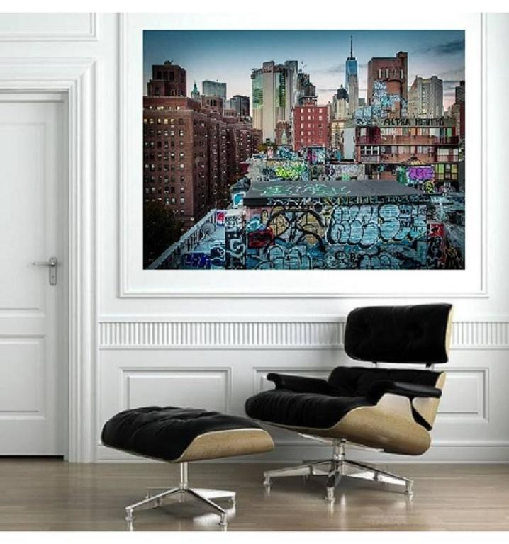 Modern Art Etc has the most extensive art photography of New York City, due to our abiding love for the city. We present the work of different photographers, some of whom are emerging talents who have had their work published in noted magazines in