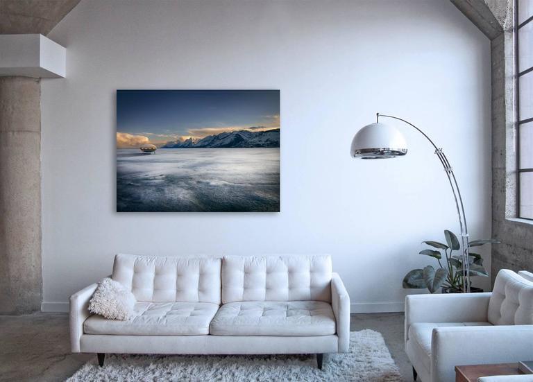 Futuro - Contemporary Photograph by Frank Schott