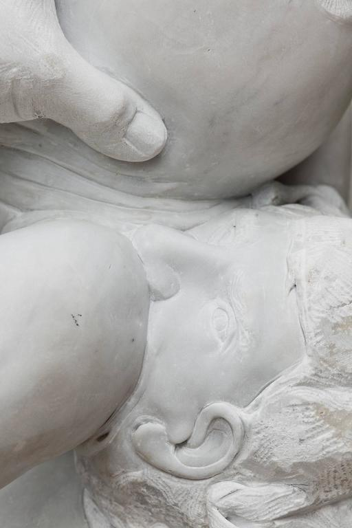 Madre Terra - hand carved figurative Carrara marble sculpture For Sale 9