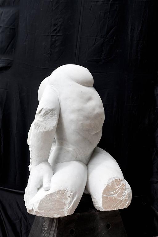 Madre Terra - hand carved figurative Carrara marble sculpture - Sculpture by Lorenzo Vignoli