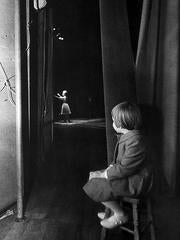 Carrie Fisher watching Debbie Reynolds
