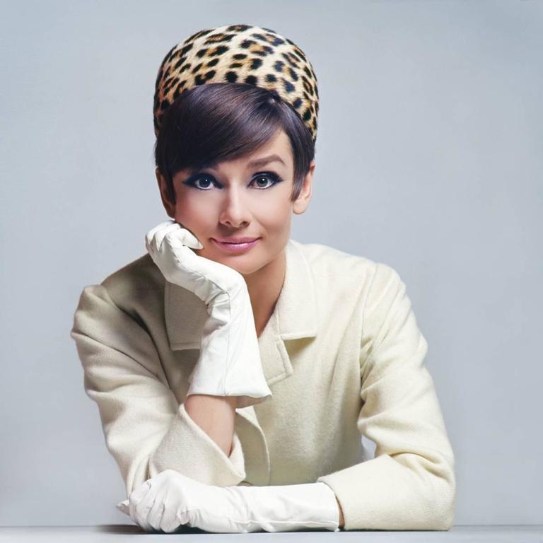 Douglas Kirkland Portrait Photograph - Audrey Hepburn (Hat) 1965