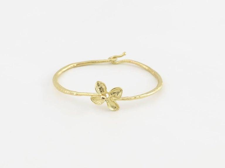 Bracelet petite fleur en or