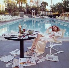Faye Dunaway Oscar (colour)