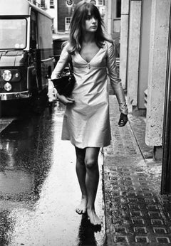 Jean Shrimpton London Streets Barefoot
