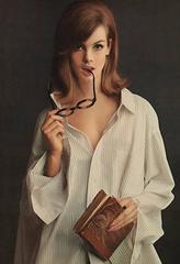 Jean Shrimpton Unbuttoned, Lady Van Heusen