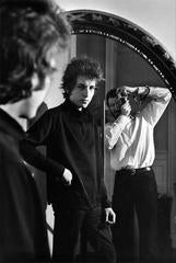 Daniel Kramer and Bob Dylan in Mirror, New York, 1965