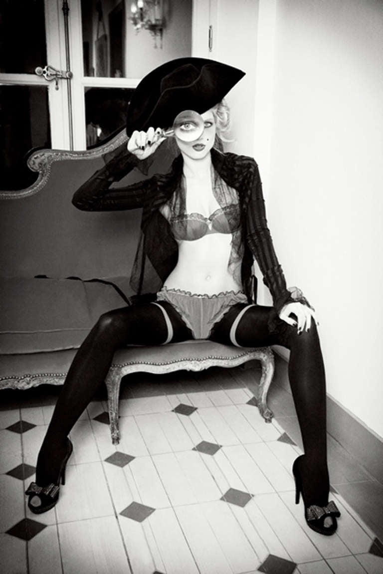 Ellen von Unwerth Black and White Photograph - Captain Look