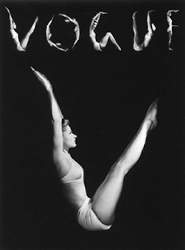 Horst P. Horst Black and White Photograph - VOGUE Cover, Lisa Fonssagrives