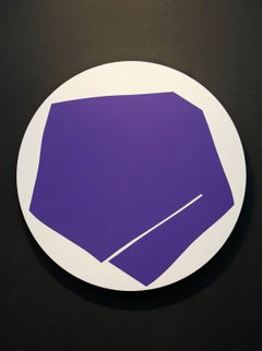 Round Violet with One Line