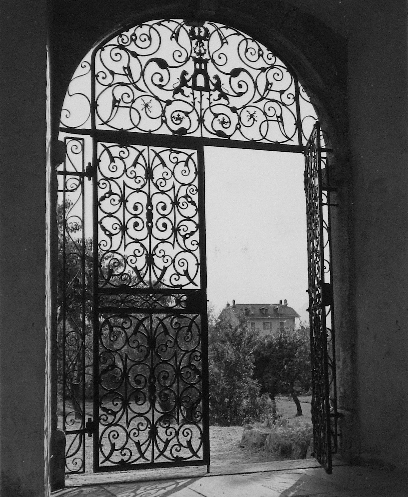 1960s Black and White Photograph of Roman Gate and Italian Grove with Chateau