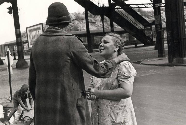 New York (consoling woman)
