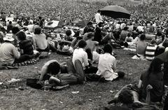 Woodstock (crowds)