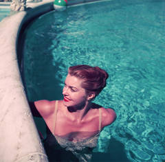 Slim Aarons - Esther Williams Poolside (Aarons Estate Edition)