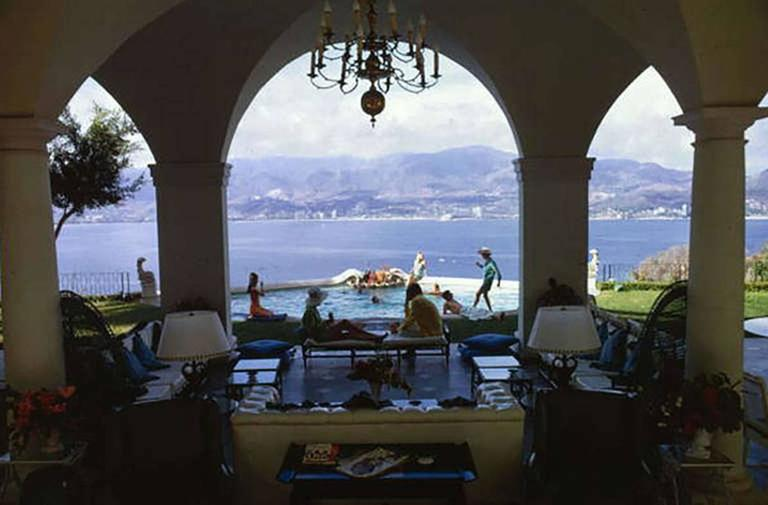 Acapulco Pool, Villa Nirvana (Slim Aarons Estate Edition)