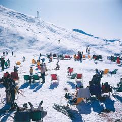 Skiers at Verbier Switzerland (Slim Aarons Estate Edition)