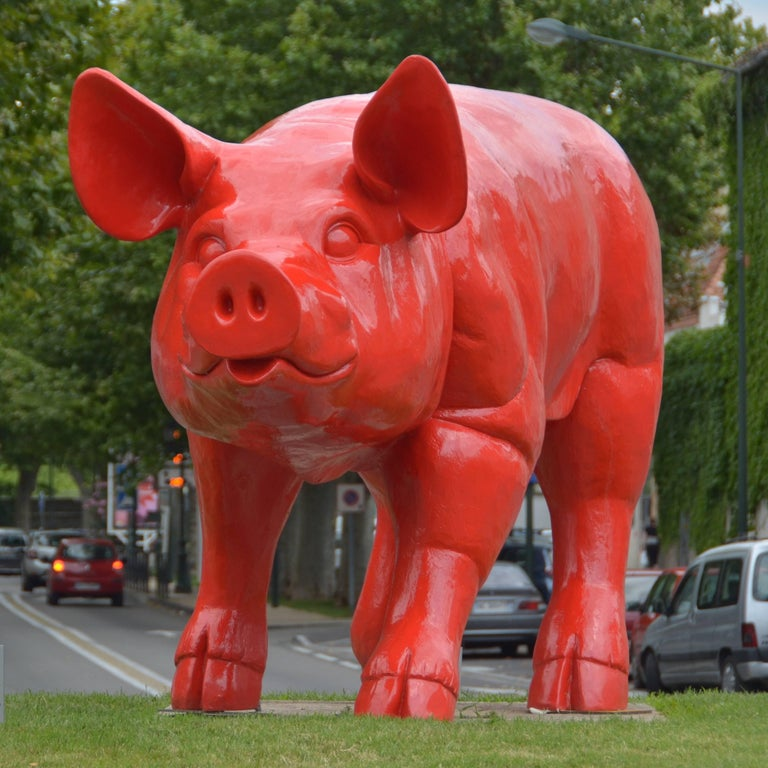 Cloned giant Pig - Sculpture by William Sweetlove
