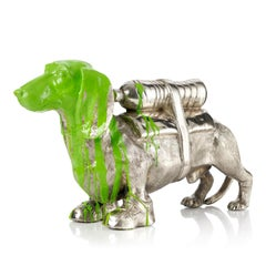 Cloned Dachshund with pet bottle (green)