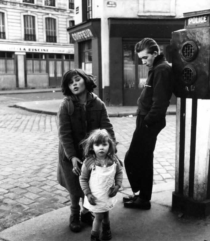 Robert Doisneau Black and White Photograph - Les Enfants de la Place Hébert