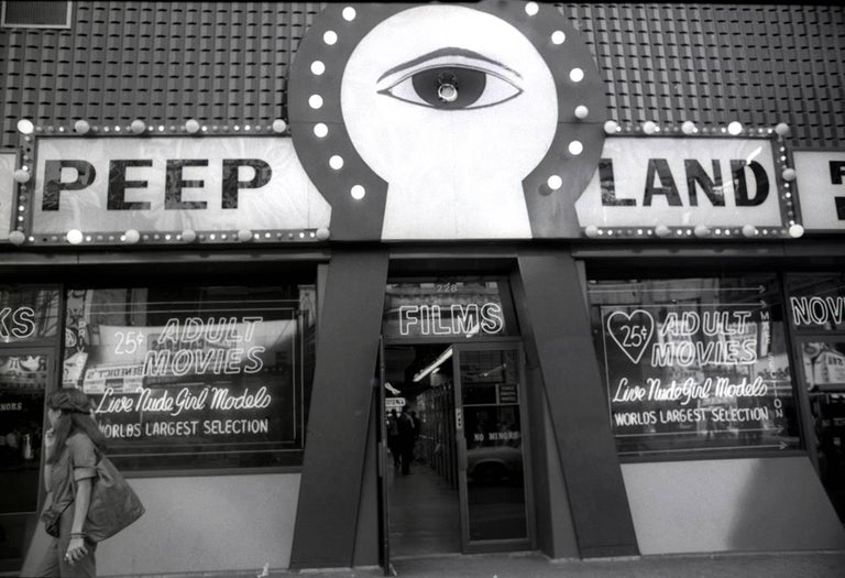 Fernando Natalici Black and White Photograph - Peep Land, Times Square New York photograph 1978 (70s NY street photography)