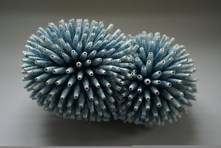 Valérie Buess Abstract Sculpture - Pretty Attached
