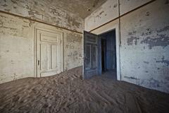 Kolmanskoppe Namibia Room 6