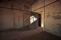 Kolmanskoppe Namibia Room 18