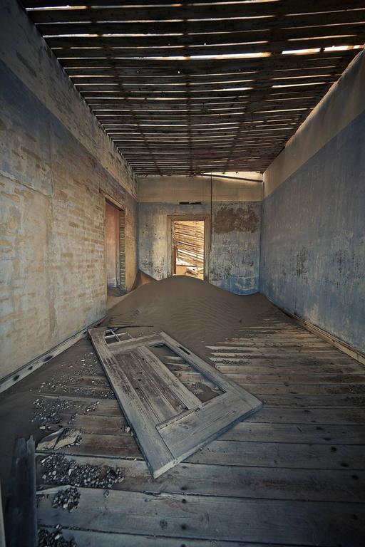 Kolmanskoppe Namibia Room 20