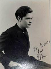ORSON wELLES - SIGNED PHOTOGRAPH