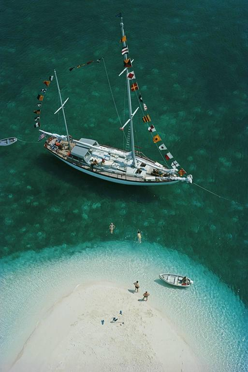 'Exuma Holiday' Bahamas 1964  (Perspex face mounted Aluminium Dibond) - Photograph by Slim Aarons