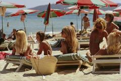 'Saint-Tropez Beach' 1971  (Slim Aarons Estate Stamped Edition)