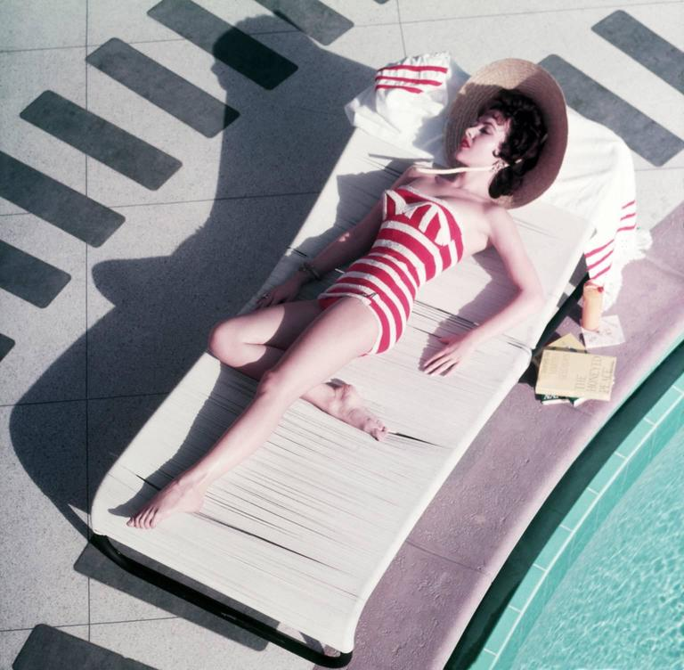 'Mara Lane At The Sands' Las Vegas 1954 (Perspex face mounted Aluminium Dibond) - Photograph by Slim Aarons