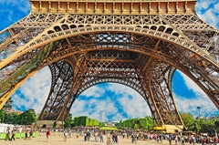 Eiffel Tower with flocks of people